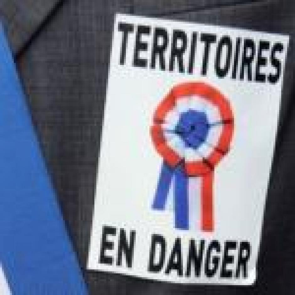 Décentralisation ou centralisation autoritaire,  Entretien avec Pierre Dharréville et Isabelle Lorand*